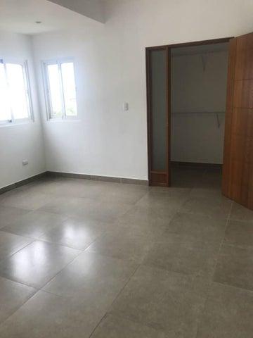 Apartamento Distrito Nacional>Santo Domingo Dtto Nacional>Evaristo Morales - Alquiler:950 Dolares - codigo: 18-630