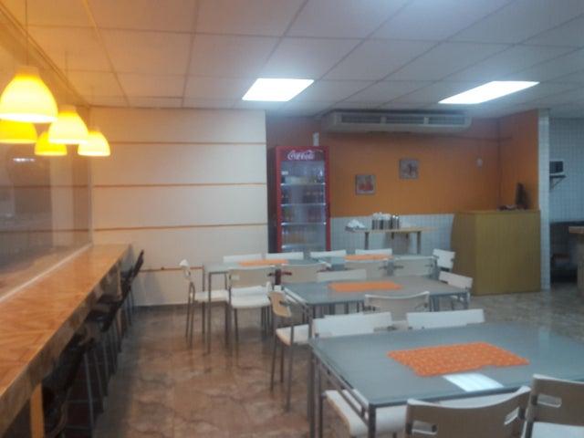 Local Comercial Distrito Nacional>Santo Domingo Dtto Nacional>Naco - Venta:57.000 Dolares - codigo: 18-624