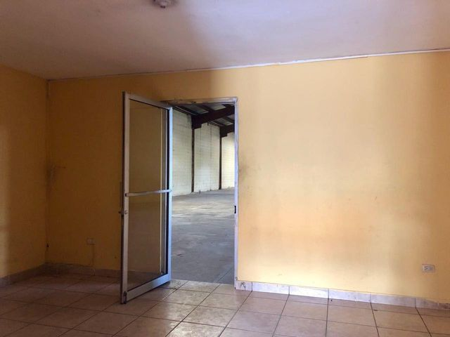 Industrial Santo Domingo>Santo Domingo Oeste>Zona Industrial de Herrera - Alquiler:4.465 Dolares - codigo: 18-672