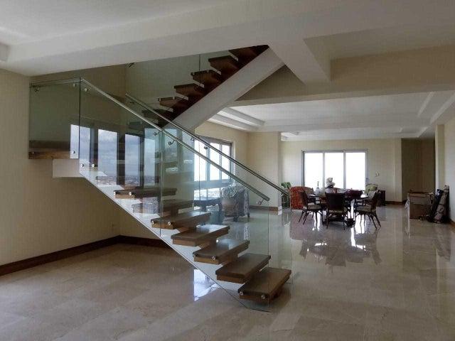 Apartamento Distrito Nacional>Santo Domingo Dtto Nacional>Esperilla - Alquiler:5.000 Dolares - codigo: 18-687