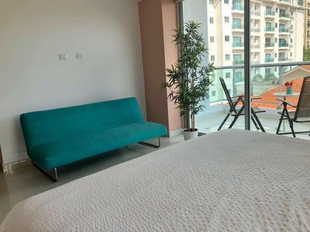Apartamento Santo Domingo>Distrito Nacional>Piantini - Venta:320.000 Dolares - codigo: 18-702