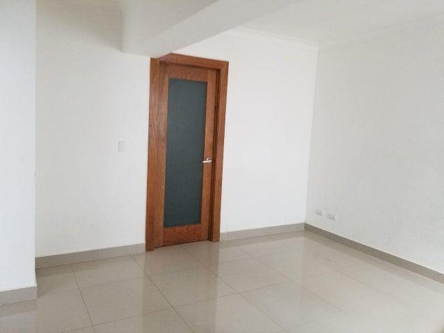 Apartamento Santo Domingo>Santo Domingo Dtto Nacional>Bella Vista - Alquiler:650 Dolares - codigo: 18-709