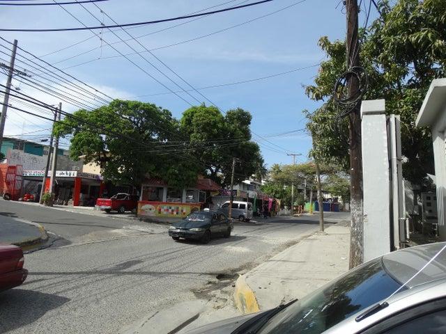 Galpon - Deposito Santo Domingo>Santo Domingo Oeste>La Rosa - Venta:420.000 Dolares - codigo: 18-719