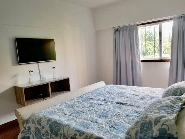 Apartamento Distrito Nacional>Santo Domingo Dtto Nacional>Vergel - Alquiler:1.200 Dolares - codigo: 18-721