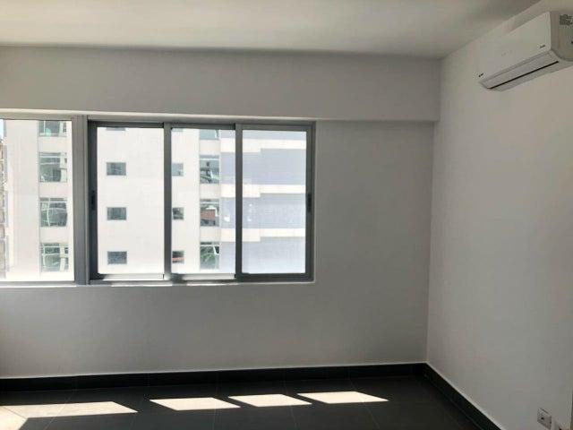 Apartamento Distrito Nacional>Santo Domingo Dtto Nacional>Piantini - Alquiler:1.700 Dolares - codigo: 18-733