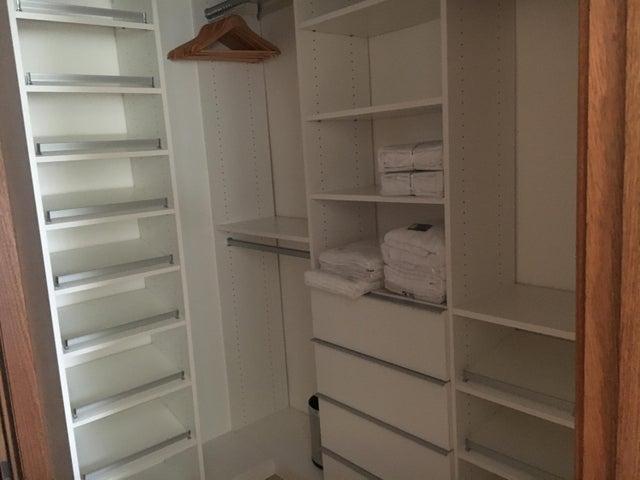 Apartamento Distrito Nacional>Santo Domingo Dtto Nacional>Los Cacicazgos - Venta:410.000 Dolares - codigo: 18-734