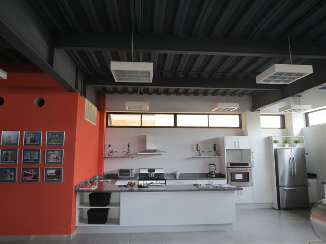 Local Comercial Santo Domingo>Santo Domingo Dtto Nacional>Paraiso - Alquiler:4.665 Dolares - codigo: 18-740