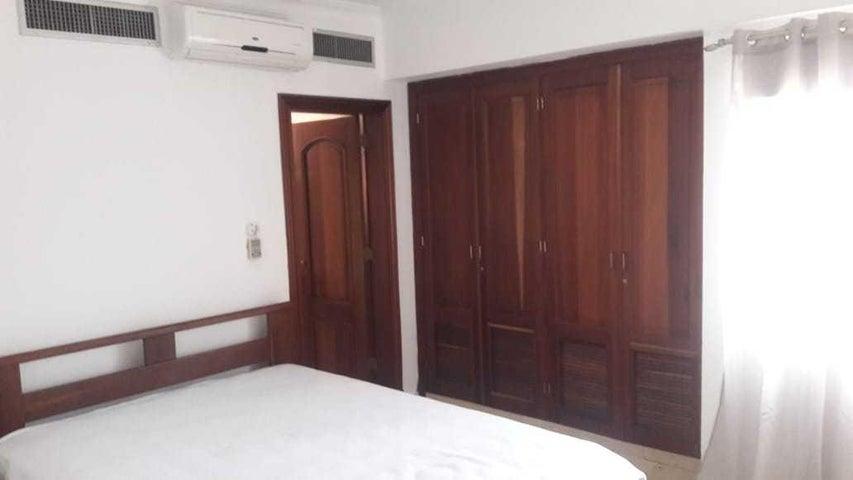 Apartamento Distrito Nacional>Santo Domingo Dtto Nacional>Serralles - Alquiler:1.500 Dolares - codigo: 18-778