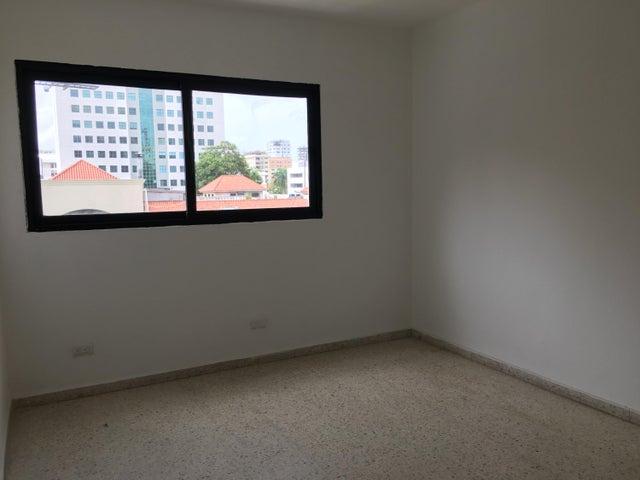 Local Comercial Distrito Nacional>Santo Domingo Dtto Nacional>Piantini - Alquiler:1.100 Dolares - codigo: 18-780