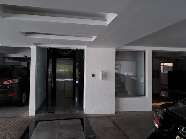 Apartamento Distrito Nacional>Santo Domingo Dtto Nacional>Evaristo Morales - Venta:169.000 Dolares - codigo: 18-802