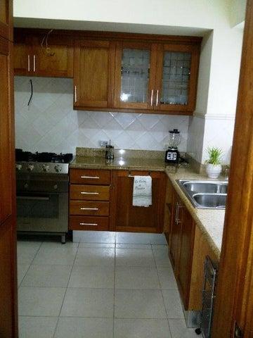 Apartamento Distrito Nacional>Distrito Nacional>Serralles - Venta:225.000 Dolares - codigo: 18-804