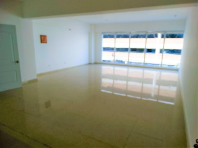 Local Comercial Distrito Nacional>Santo Domingo Dtto Nacional>Julienta Morales - Alquiler:2.000 Dolares - codigo: 18-813