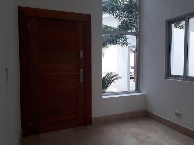 Casa Distrito Nacional>Beach walk>Altos de Arroyo Hondo - Alquiler:3.800 Dolares - codigo: 18-815
