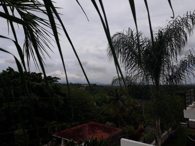 Casa Distrito Nacional>Beach walk>Altos de Arroyo Hondo - Venta:450.000 Dolares - codigo: 18-816