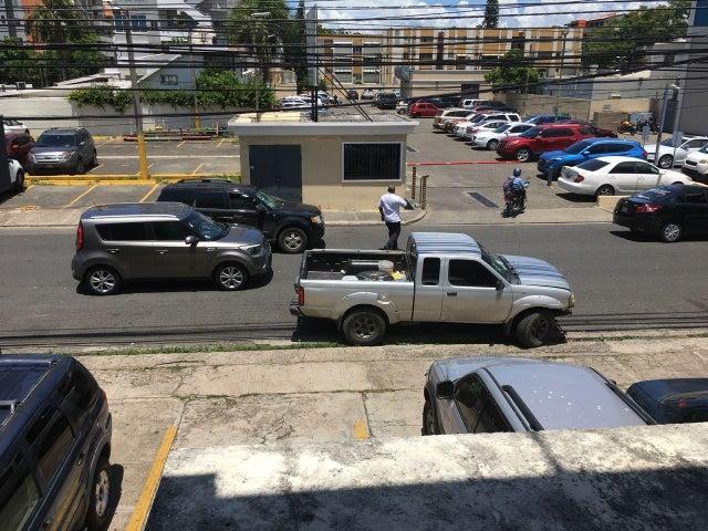Oficina Santo Domingo>Distrito Nacional>Evaristo Morales - Alquiler:892 Dolares - codigo: 18-852