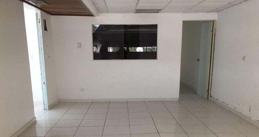 Oficina Distrito Nacional>Santo Domingo Dtto Nacional>Evaristo Morales - Alquiler:820 Dolares - codigo: 18-855