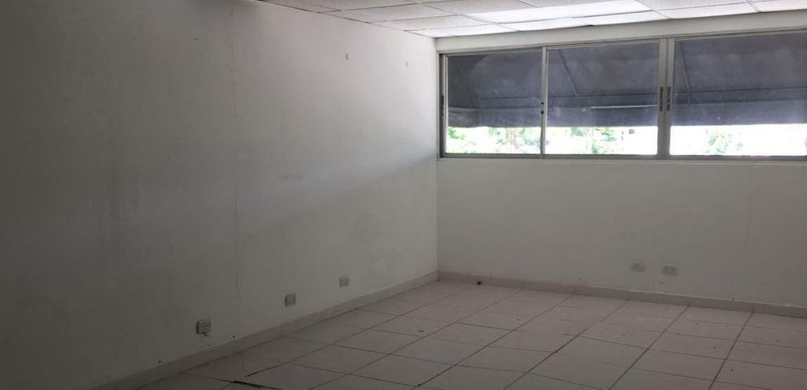 Oficina Distrito Nacional>Santo Domingo Dtto Nacional>Evaristo Morales - Alquiler:664 Dolares - codigo: 18-858