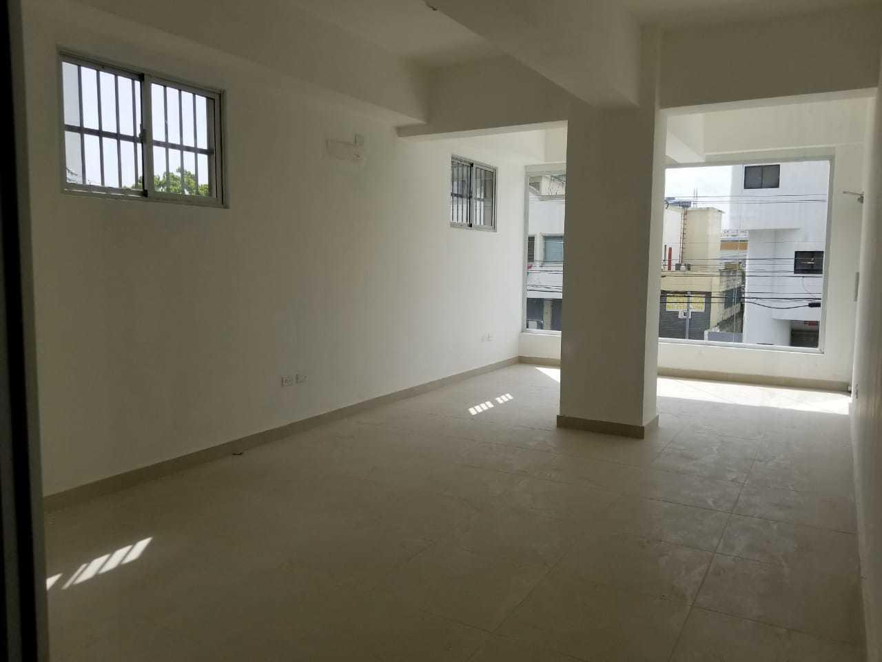 Local Comercial Distrito Nacional>Santo Domingo Dtto Nacional>Naco - Alquiler:1.027 Dolares - codigo: 18-495