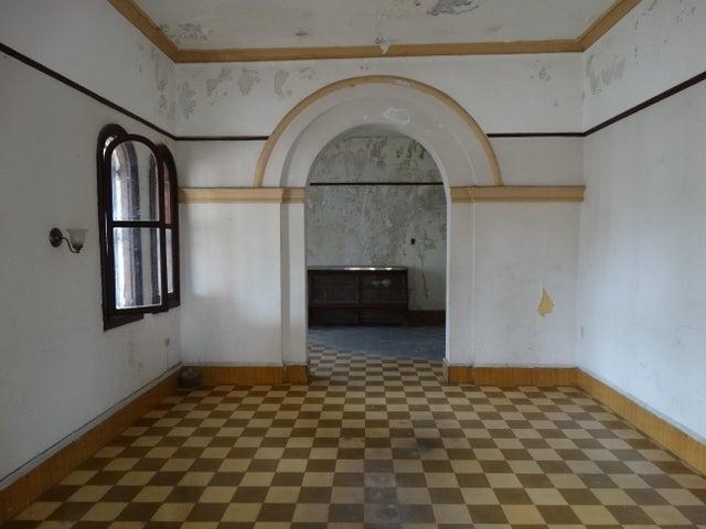 Casa Santo Domingo>Distrito Nacional>Gazcue - Venta:975.000 Dolares - codigo: 18-862