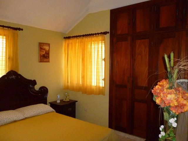 Casa Distrito Nacional>Santo Domingo Dtto Nacional>Miramar - Venta:9.000.000 Pesos - codigo: 18-864