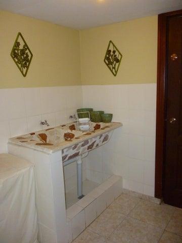 Casa Distrito Nacional>Distrito Nacional>Miramar - Venta:9.000.000 Pesos - codigo: 18-864