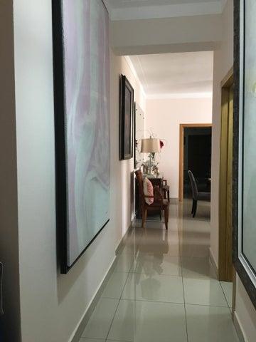 Apartamento Santo Domingo>Santo Domingo Dtto Nacional>Serralles - Venta:200.000 Dolares - codigo: 18-869