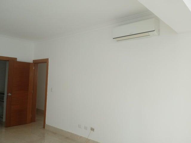 Apartamento Santo Domingo>Distrito Nacional>La Esperilla - Alquiler:2.500 Dolares - codigo: 18-874
