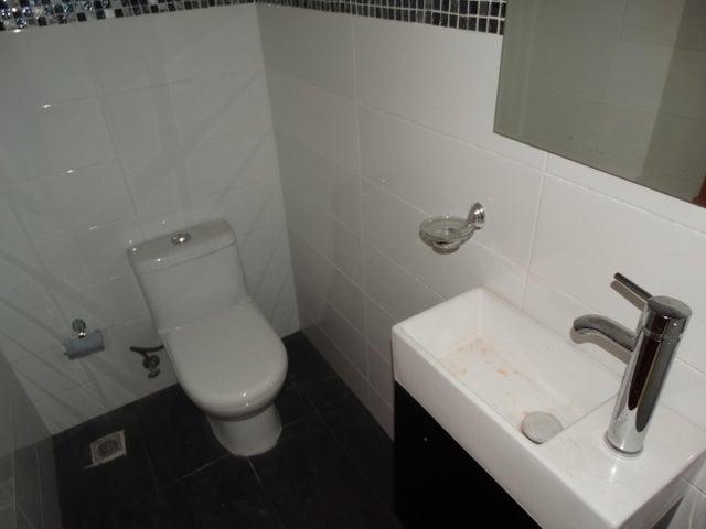 Apartamento Santo Domingo>Santo Domingo Dtto Nacional>Evaristo Morales - Venta:184.600 Dolares - codigo: 18-881