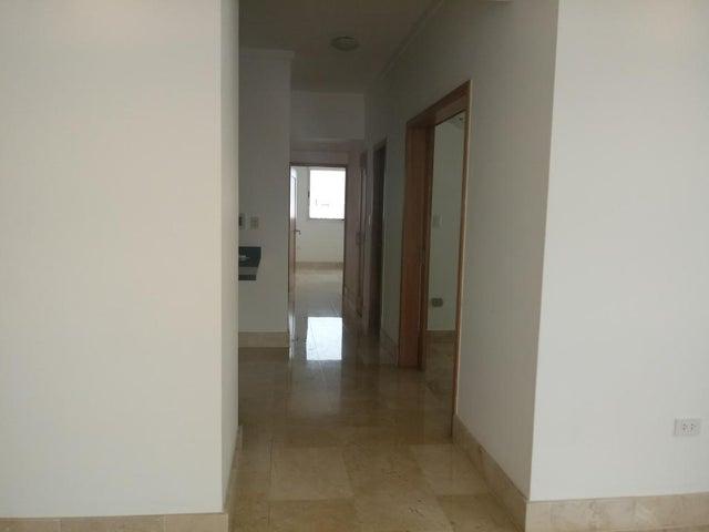 Apartamento Santo Domingo>Distrito Nacional>Piantini - Venta:240.000 Dolares - codigo: 18-929
