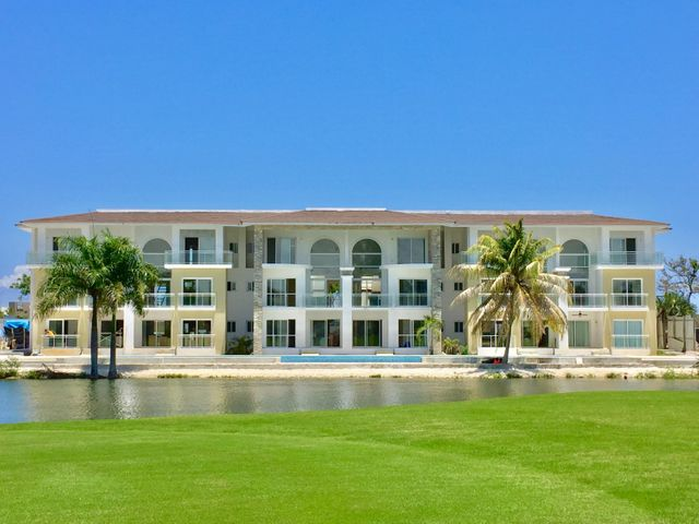 Apartamento La Altagracia>Punta Cana>Bavaro - Venta:370.000 Dolares - codigo: 18-935