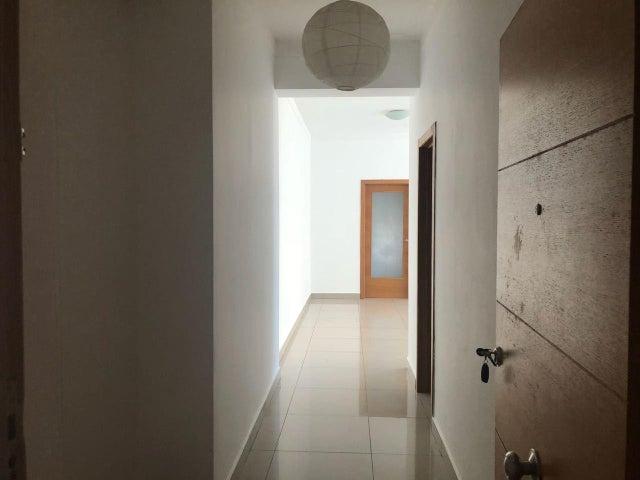 Apartamento Santo Domingo>Distrito Nacional>Serralles - Alquiler:1.175 Dolares - codigo: 18-961