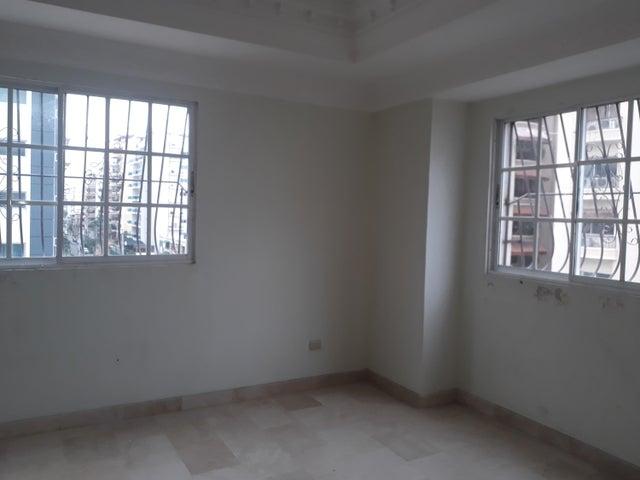 Apartamento Santo Domingo>Distrito Nacional>Bella Vista - Alquiler:1.100 Dolares - codigo: 18-986