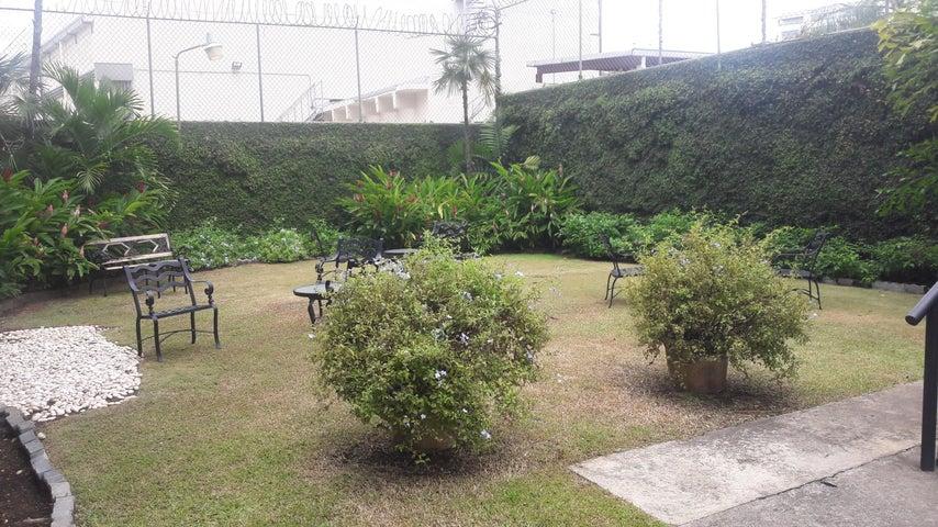Apartamento Distrito Nacional>Santo Domingo Dtto Nacional>Esperilla - Venta:320.000 Dolares - codigo: 18-978