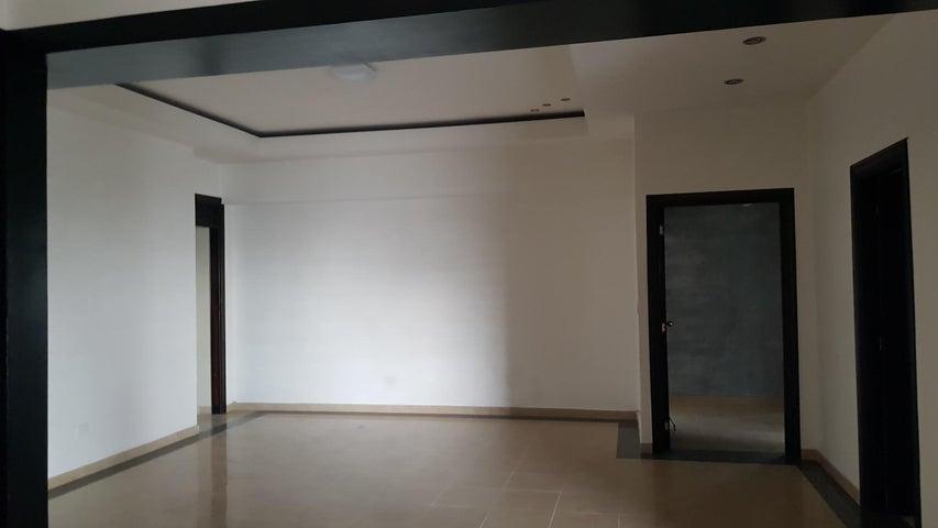 Apartamento Santo Domingo>Distrito Nacional>El Vergel - Alquiler:1.500 Dolares - codigo: 18-994