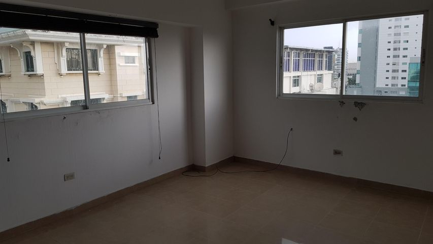 Apartamento Distrito Nacional>Santo Domingo Dtto Nacional>Esperilla - Alquiler:1.500 Dolares - codigo: 18-994