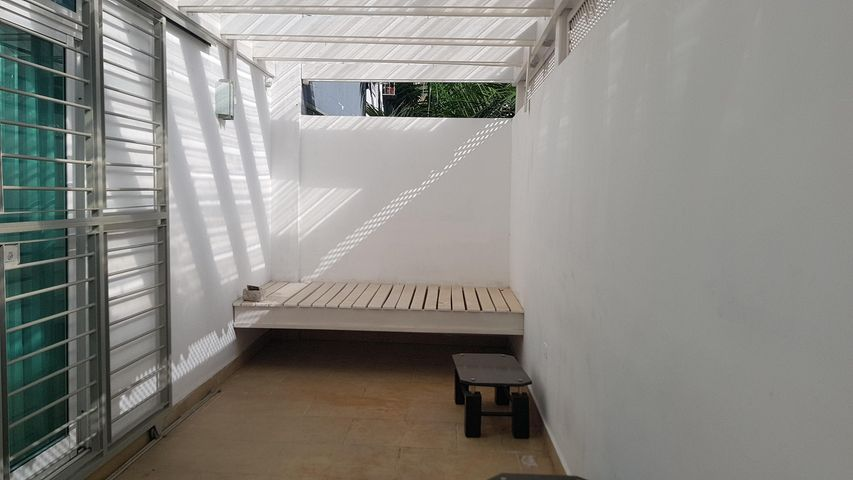 Apartamento Santo Domingo>Distrito Nacional>Evaristo Morales - Venta:195.000 Dolares - codigo: 18-1003