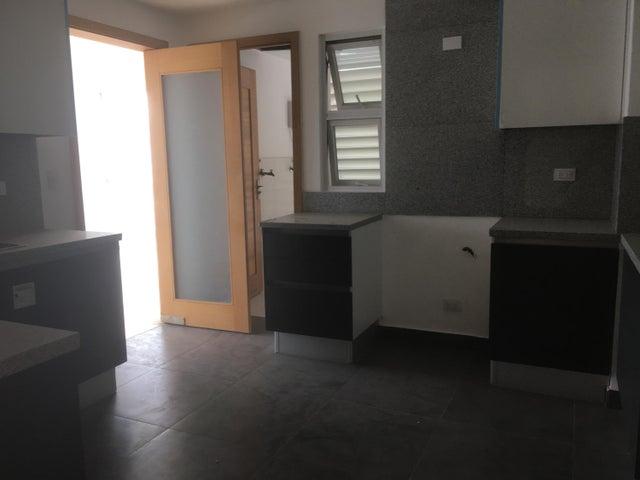 Apartamento Santo Domingo>Santo Domingo Dtto Nacional>Piantini - Alquiler:2.500 Dolares - codigo: 18-1014