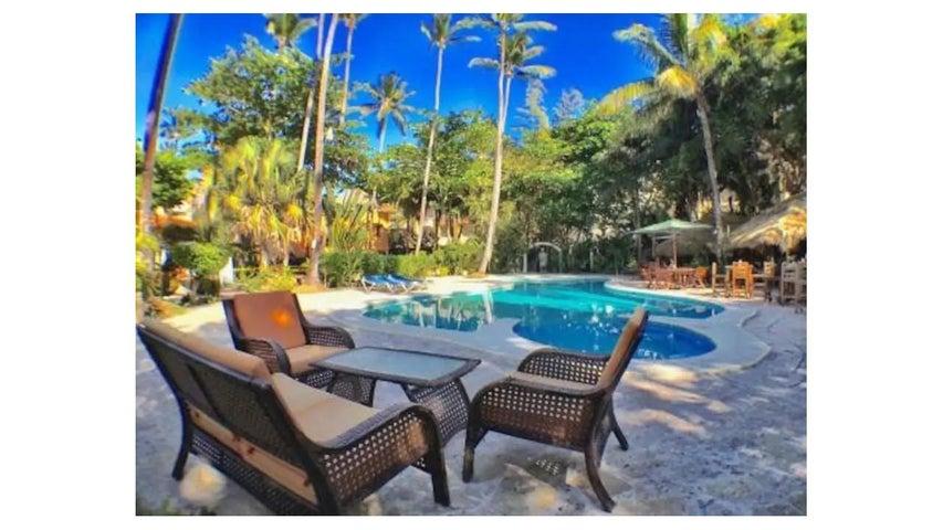 Casa La Altagracia>Punta Cana>Bavaro - Venta:235.000 Dolares - codigo: 18-1027