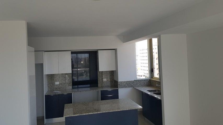 Apartamento Santo Domingo>Distrito Nacional>Evaristo Morales - Venta:181.500 Dolares - codigo: 18-1072