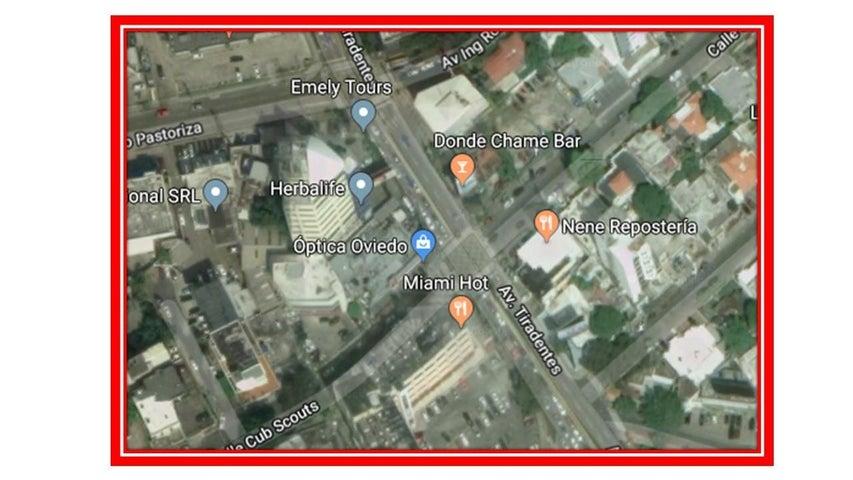 Local Comercial Santo Domingo>Distrito Nacional>Piantini - Venta:1.600.000 Dolares - codigo: 18-1068