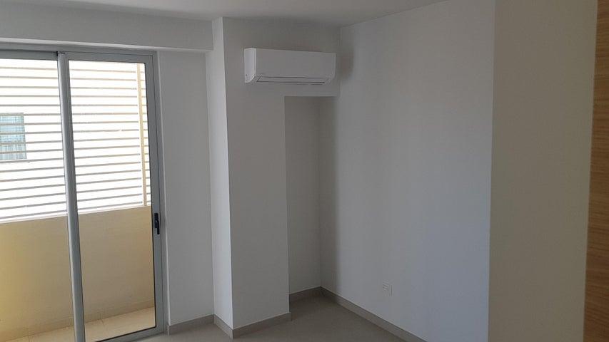 Apartamento Distrito Nacional>Santo Domingo Dtto Nacional>Evaristo Morales - Venta:169.000 Dolares - codigo: 18-1084