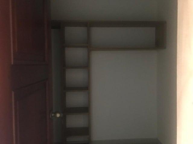Apartamento Distrito Nacional>Santo Domingo Dtto Nacional>Evaristo Morales - Venta:180.000 Dolares - codigo: 18-1099