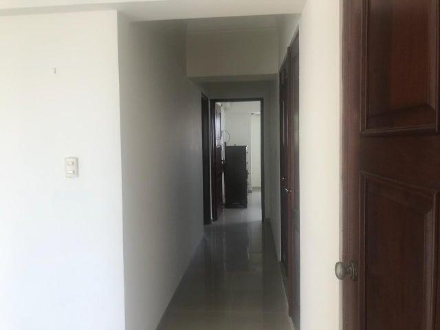 Apartamento Santo Domingo>Distrito Nacional>Evaristo Morales - Venta:180.000 Dolares - codigo: 18-1099