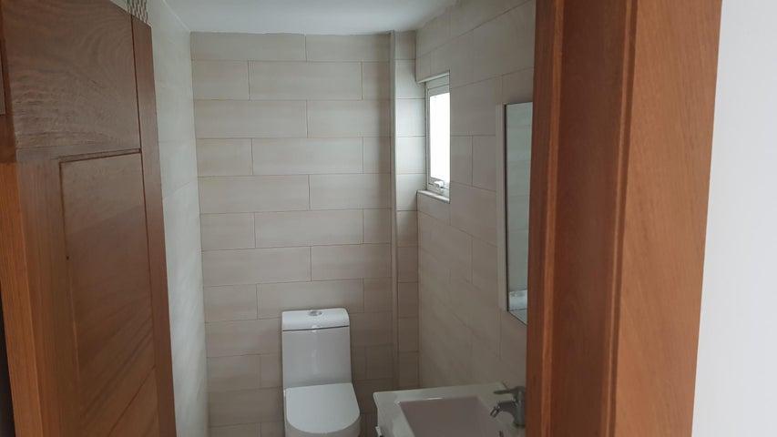 Apartamento Santo Domingo>Distrito Nacional>Los Prados - Venta:182.000 Dolares - codigo: 18-1101