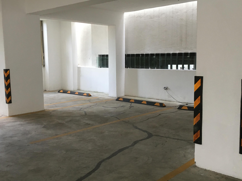 Apartamento Santo Domingo>Distrito Nacional>Serralles - Alquiler:1.700 Dolares - codigo: 18-1102