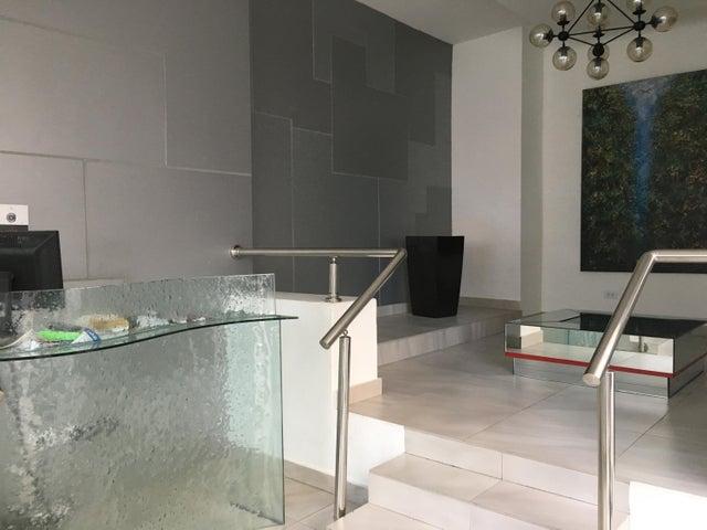 Apartamento Santo Domingo>Distrito Nacional>Serralles - Venta:275.000 Dolares - codigo: 18-1106