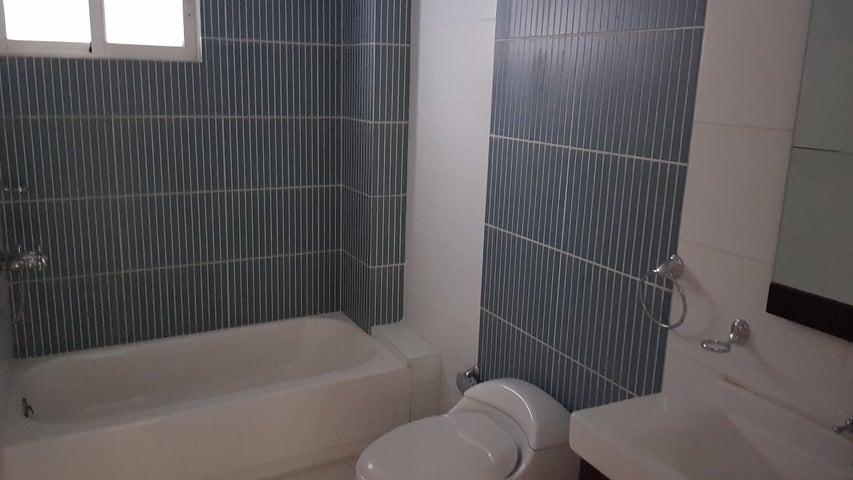 Apartamento Santo Domingo>Distrito Nacional>Piantini - Venta:209.000 Dolares - codigo: 18-1130