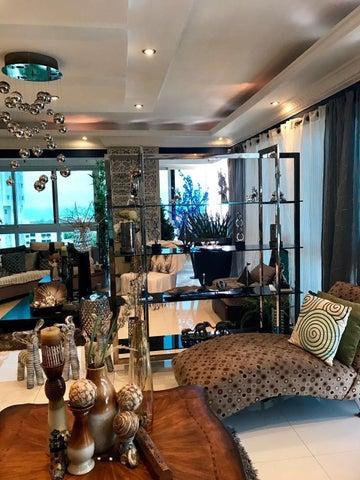 Apartamento Santo Domingo>Distrito Nacional>La Esperilla - Venta:585.000 Dolares - codigo: 18-1131