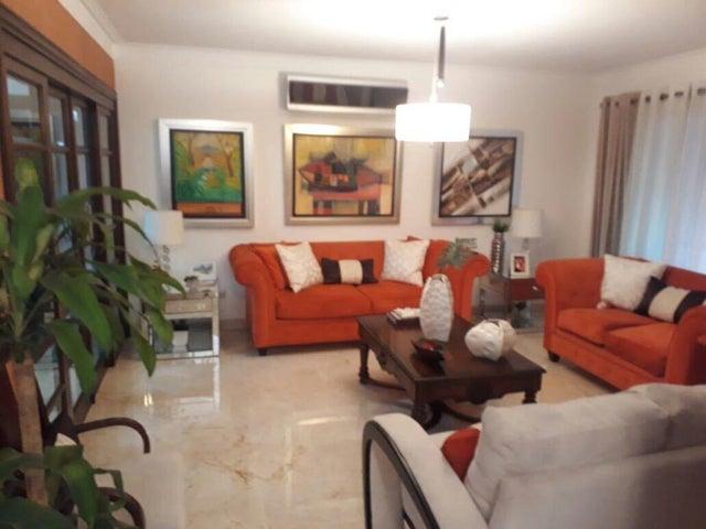 Apartamento Santo Domingo>Distrito Nacional>Evaristo Morales - Venta:175.000 Dolares - codigo: 18-1147