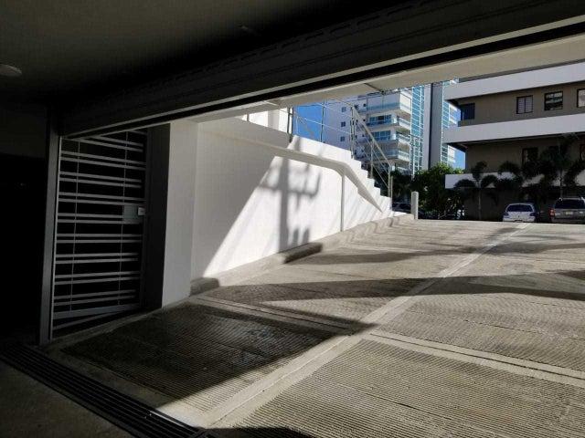 Local Comercial Santo Domingo>Distrito Nacional>Naco - Alquiler:979 Dolares - codigo: 18-507